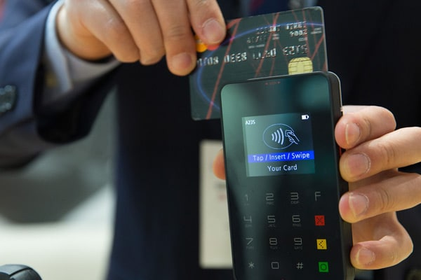 Paying with a mobile POS